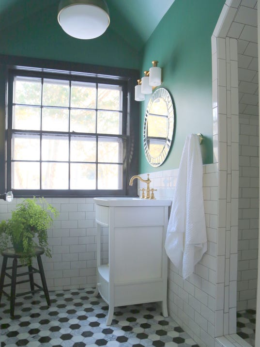 5 Designer Tips For A High End Look In A Small Bathroom