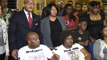 Jocques Clemmons' family, community leaders call for officer's firing
