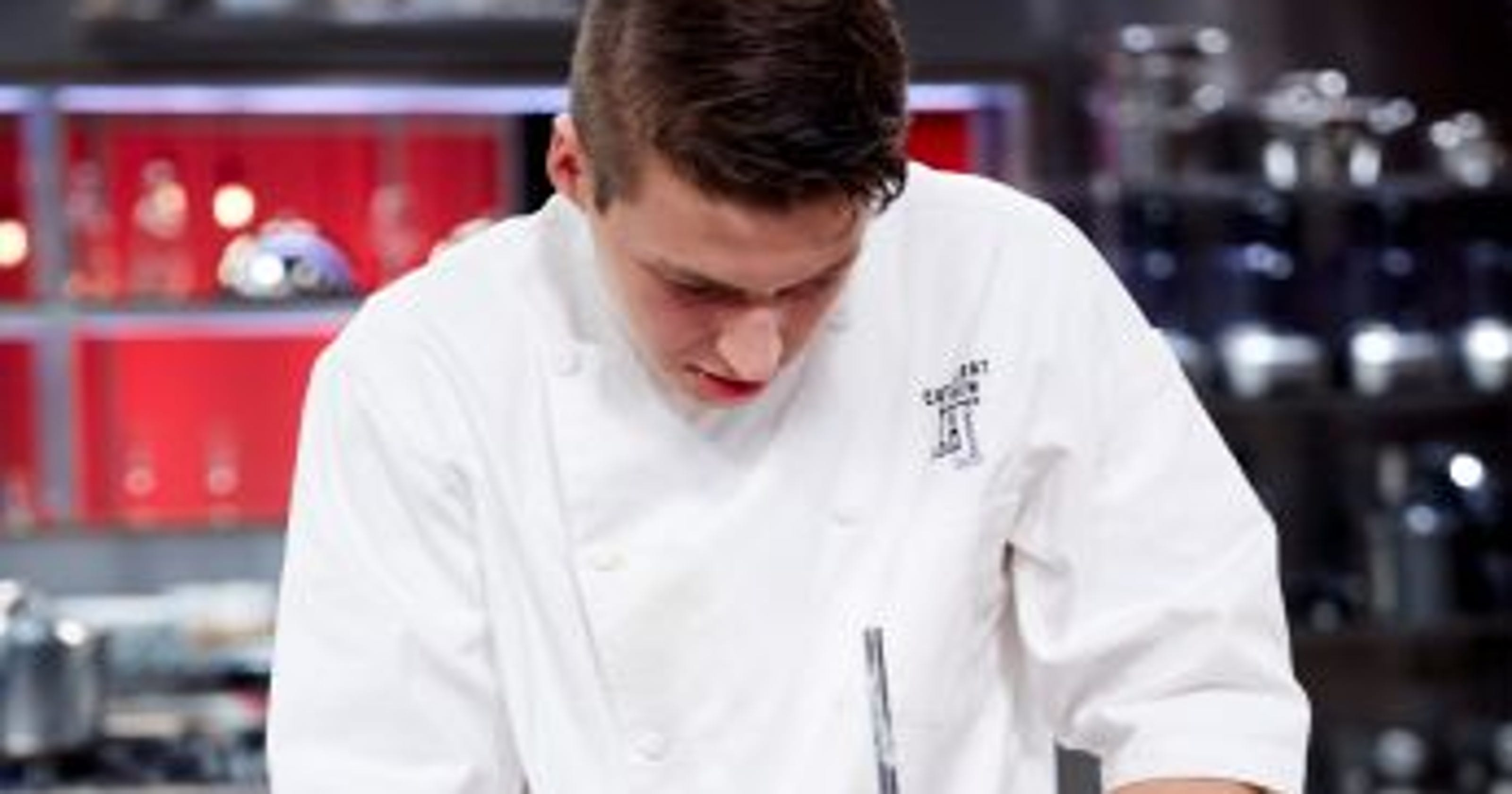 Scottsdale chef wins \'Cutthroat Kitchen,\' heads to finale