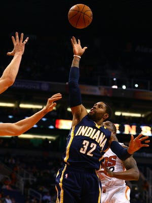 Indiana Pacers guard C.J. Watson (32) shoots the ball in the first quarter against the Phoenix Suns at US Airways Center.