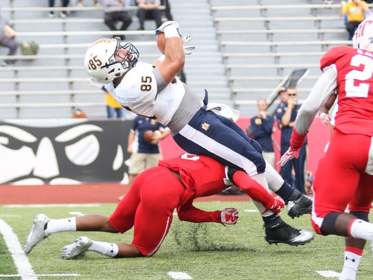 Austin Peay played OVC rival Murray State in the Battle