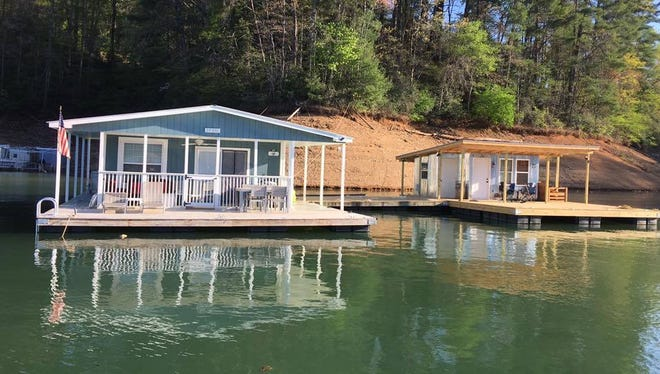 U.S. Sen. Richard Burr, R-N.C., has gotten involved in the controversy over whether to allow houseboats on Fontana Lake.