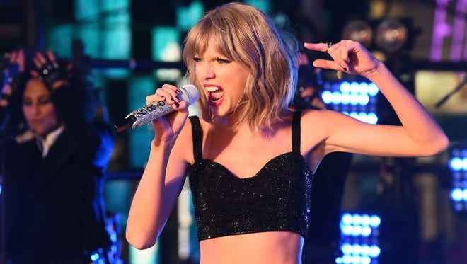 Taylor Swift will be honored by the  Academy of Country Music at next month's ACM Awards.