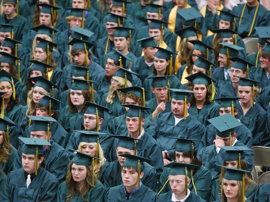 -CMR Graduation 1.jpg_20110530.jpg
