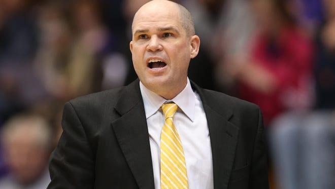 NKU head coach Dave Bezold