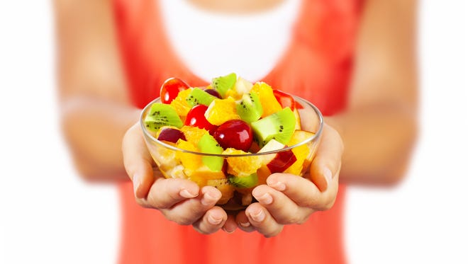Teen girls and young women who eat a healthy diet have a lower risk of developing premenopausal breast cancer later in life, a new study has found.