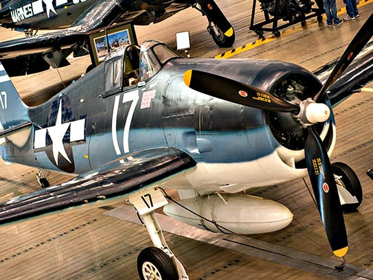 An F6F-3 aircraft, similar to the plane Harold DeMoss was piloting when he crashed.