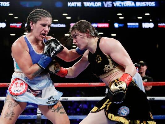 Bustos_Taylor_Boxing_64447.jpg