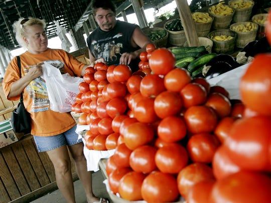 Farmers Markets offer fresh produce plus free family