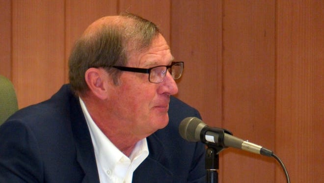 Lincoln County Commissioner Tom Stewart wants to hear a plan for requiring business licenses.