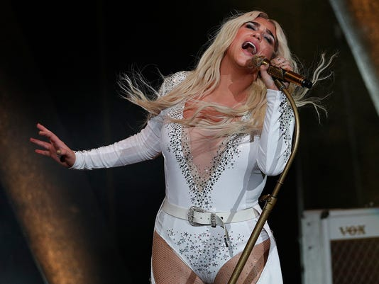 Kesha, Macklemore perform at Ruoff Home Mortgage Music Center