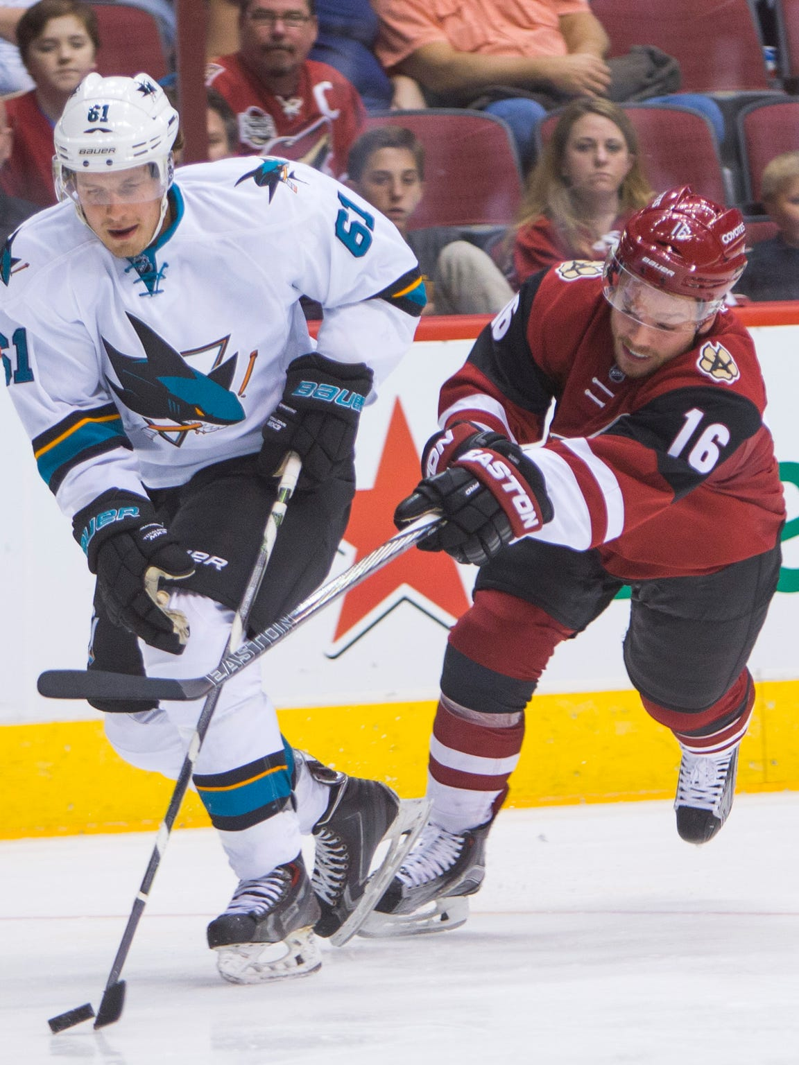 Coyotes rookie winger Max Domi (16) has started his career with four goals and six assists in his first 10 games.