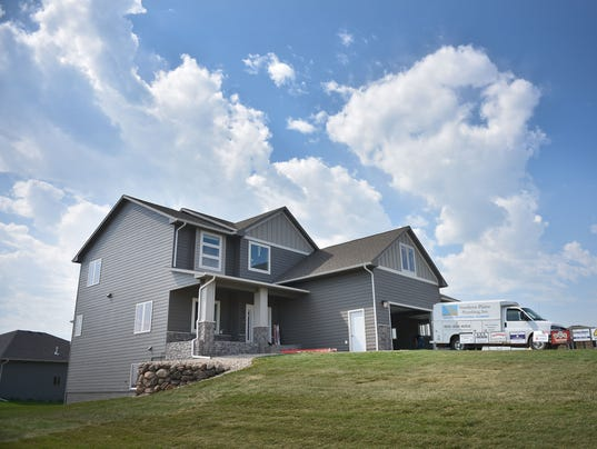 2017 fall parade of homes tour starts this weekend here 39 s for Sioux falls home builders