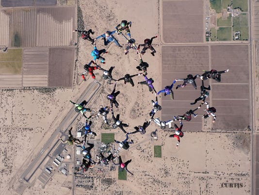 Skydiving-world-record.jpg