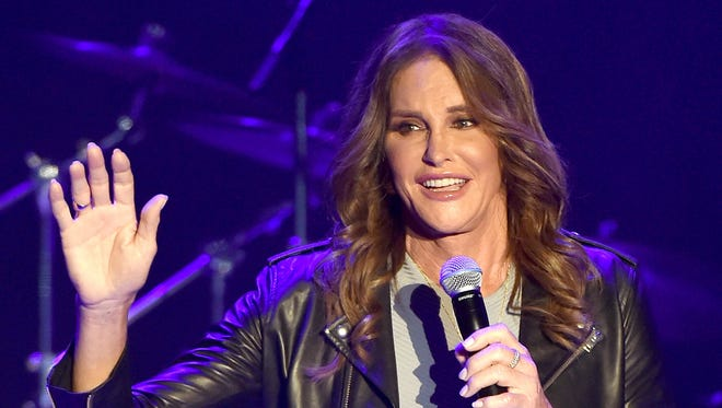Caitlyn Jenner is now able to legally change her name and gender, a California judge has decided.