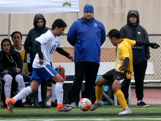 Boys-Soccer-Oly-Sequim-02.JPG
