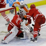 Philadelphia Flyers fall to Carolina Hurricanes