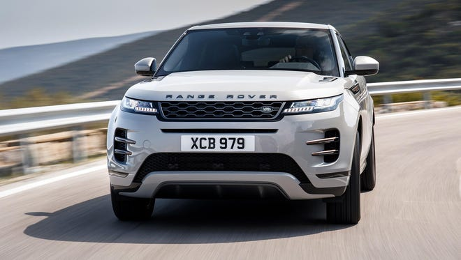 The 2020 Ranger Rover Evoque channels the look of its larger siblings.