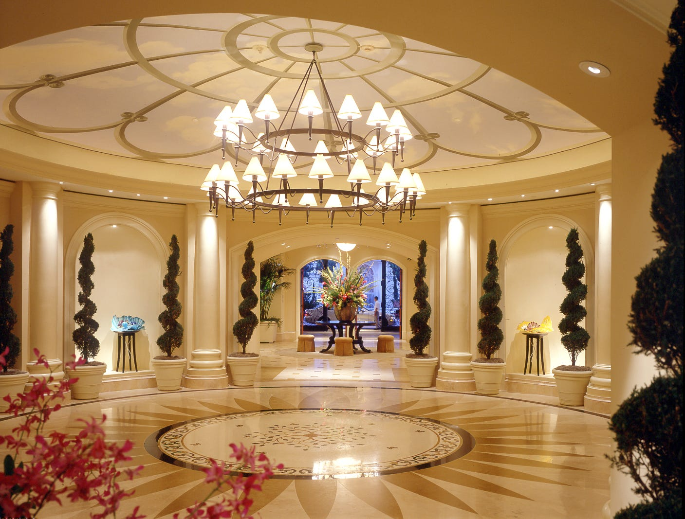The Rotunda Lobby of the St. Regis Monarch Beach Resort in Dana Point, Calif., has clean lines and natural accents.