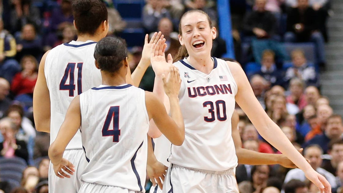 Women's hoops roundup: UConn steamrolls UCF