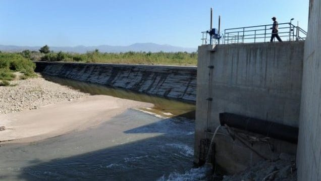A federal court judge has ruled that the Freeman Diversion dam near Saticoy blocks passage of endangered steelhead trout on the Santa Clara River.