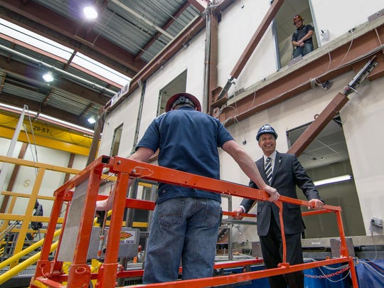 Nevada Governor Brian Sandoval tours the University of Nevada, Reno's new Earthquake Engineering Lab.