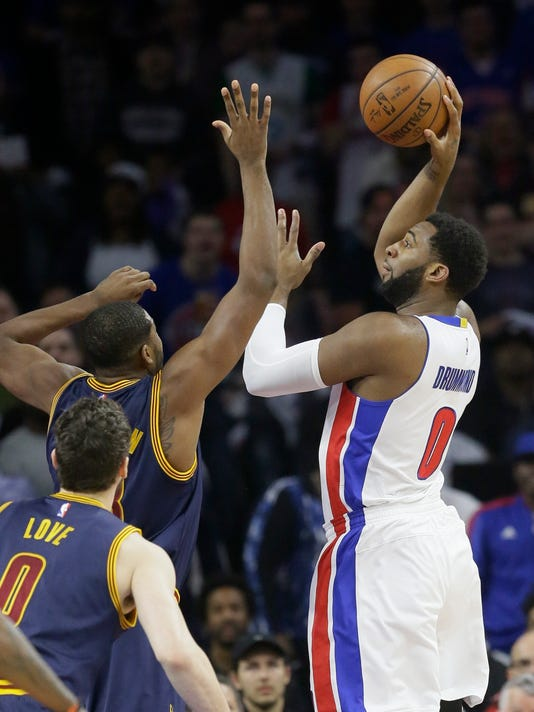 Detroit Pistons center Andre Drummond (0) shoots over Cleveland Cavaliers center Tristan Thompson during the first half in Game 4 of a first-round NBA basketball playoff series, Sunday, April 24, 2016 in Auburn Hills, Mich. (AP Photo/Carlos Osorio)