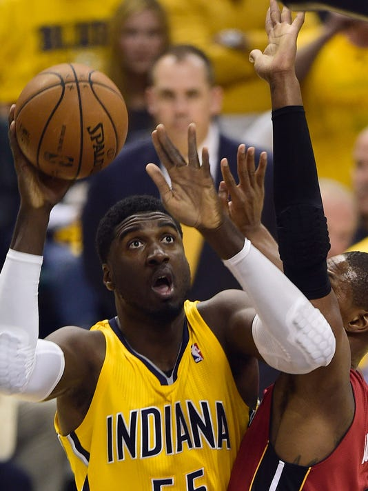 Roy Hibbert comes alive as Pacers take Game 1 vs. Heat
