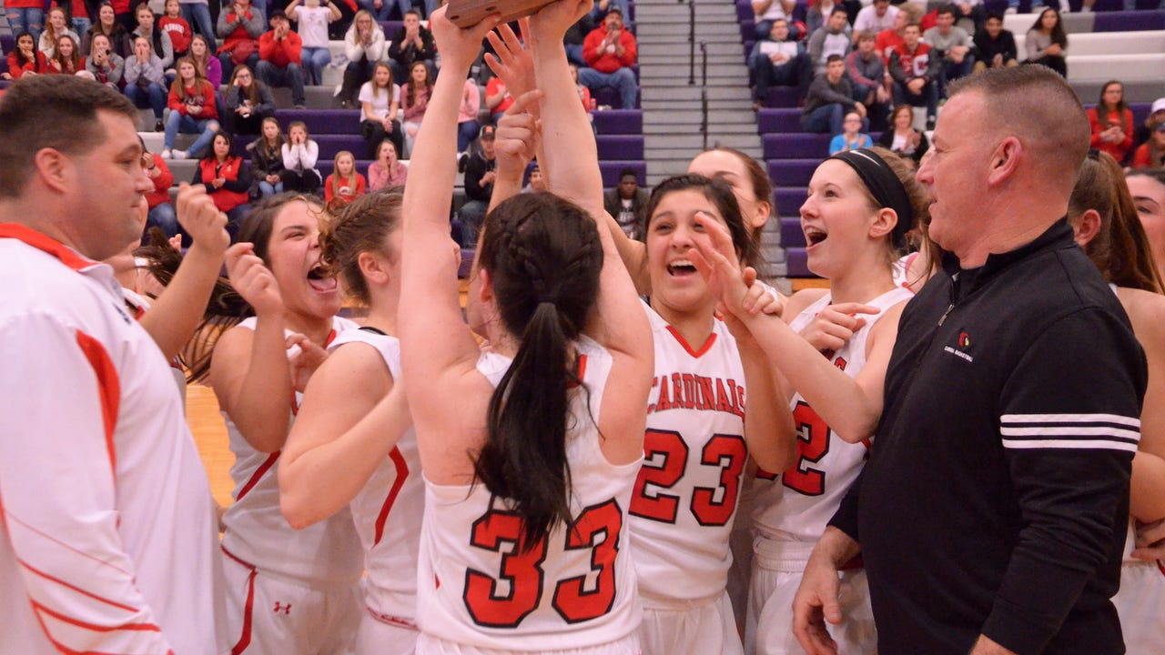 Cardinals claim first district championship since 1995.