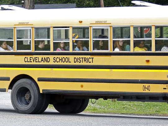 Federal court orders desegregation of secondary schools in Cleveland, Miss.