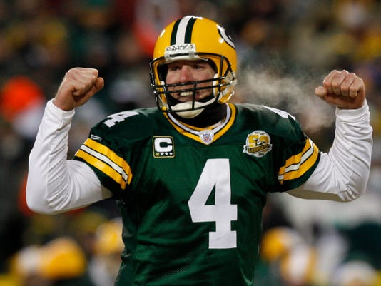 07c05eaea90 Packers' full embrace awaits Favre at overdue ceremony