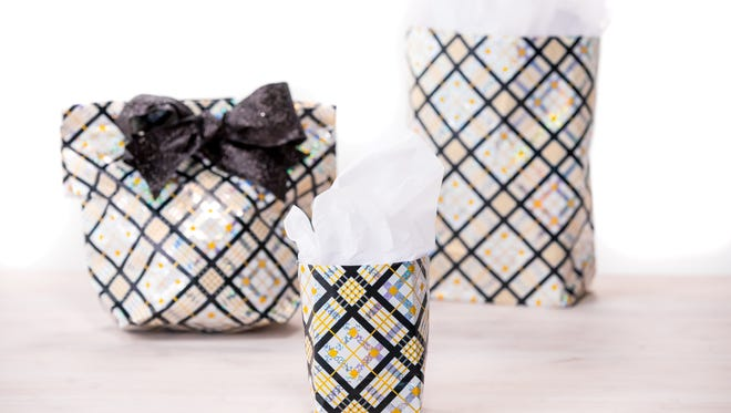Wrapping-paper gift bag DIY holiday project.