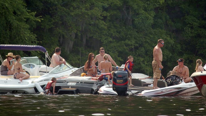 There were 12 boating crashes in the state over the Independence Day holiday period resulting in six fatalities.