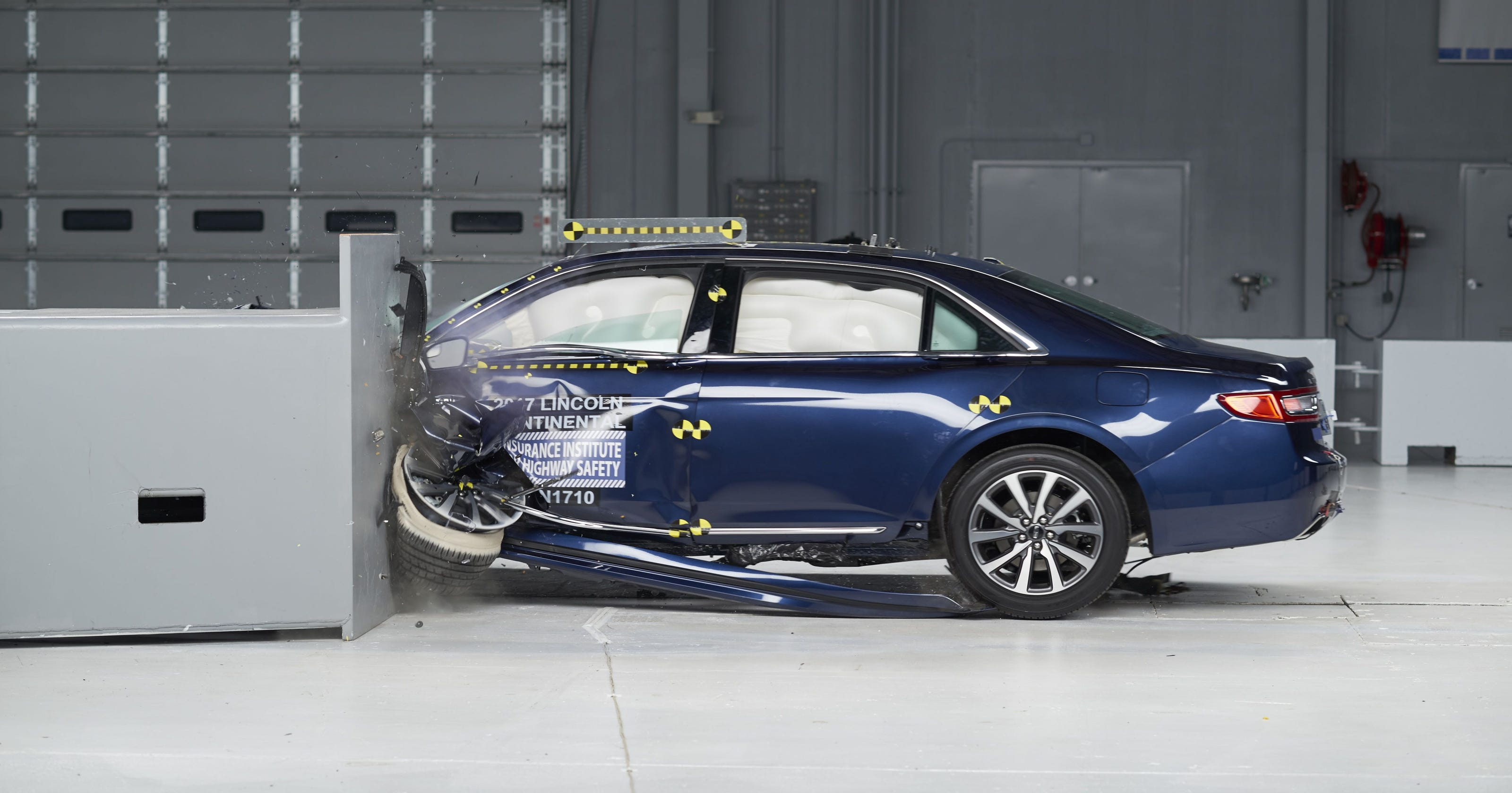 Three Cars Get Top Iihs Crash Rating Not Tesla
