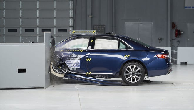 """2017 Lincoln Continental received a """"good"""" rating in the small overlap frontal crash test, and was rated a TOP SAFETY PICK+ overall."""