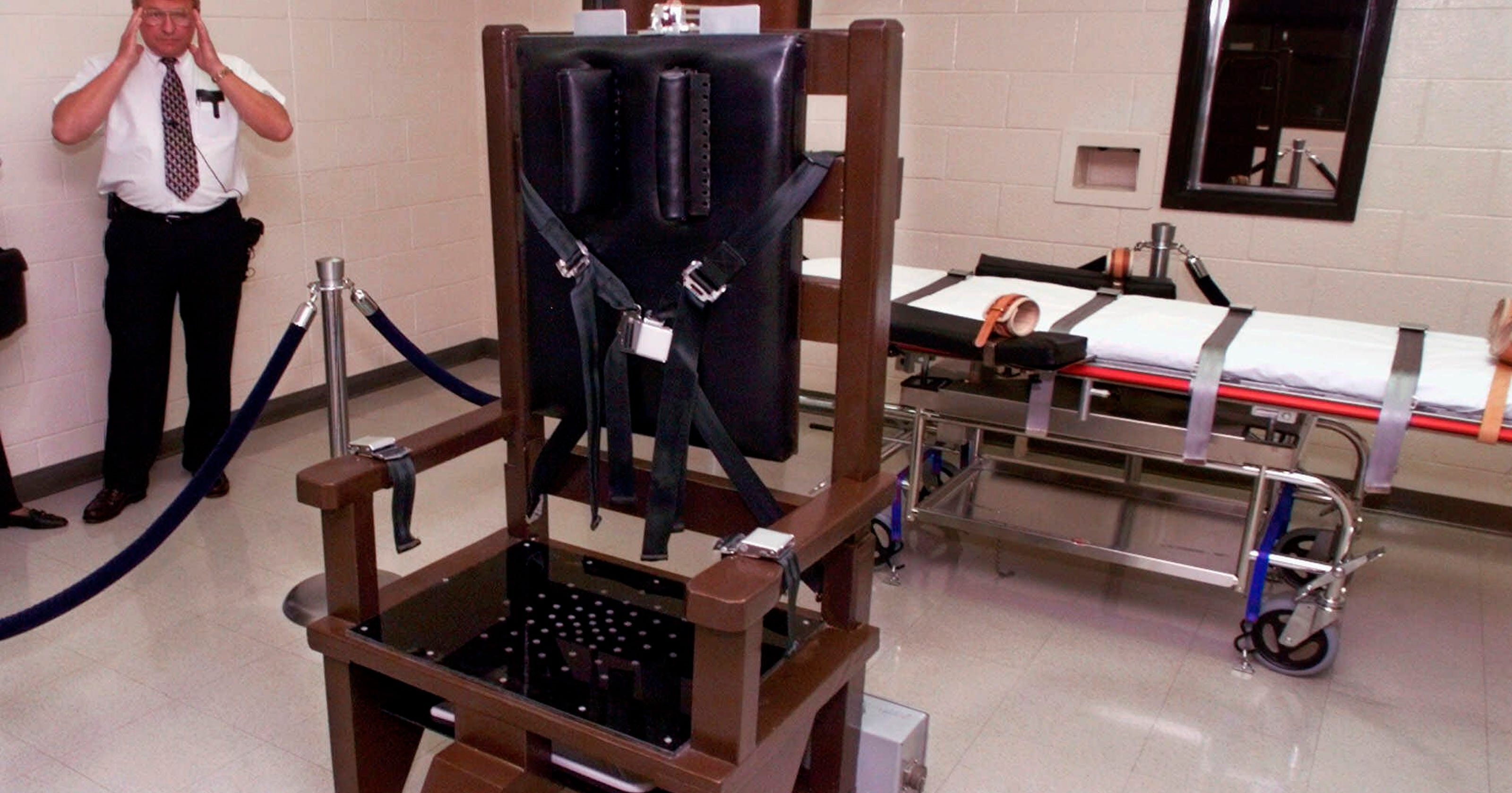 Tennessee death row lawsuit seeks firing squad instead of