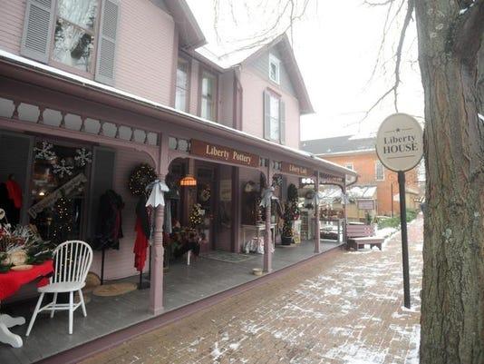-cos 1222 roscoe village shops 002.jpg_20131219.jpg