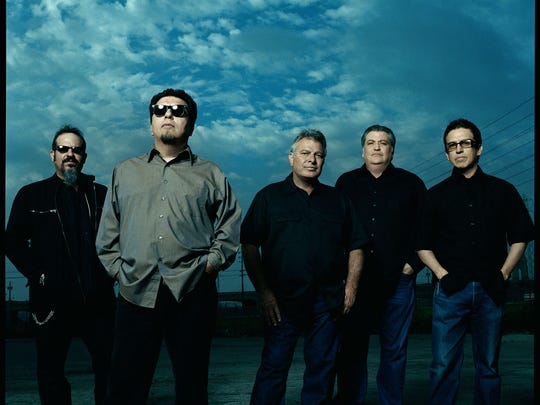 Los Lobos, March 22