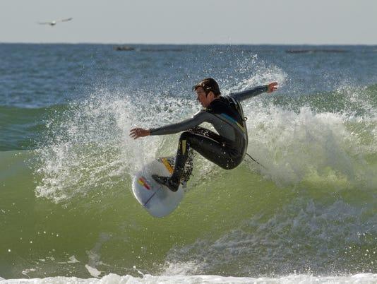 635913196130081813-Surfing.jpg