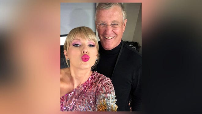 Taylor Swift with her father, Scott Swift.