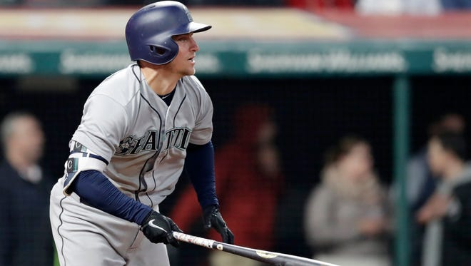 Kyle Seager eighth-inning RBI double provided the winning margin in the Mariners' 5-4 victory over Cleveland on Thursday.