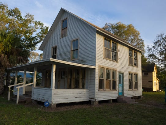 The Gifford house has passed through the hands of several