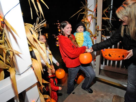 Trick or treating in Manitowoc Wisconsin.jpg