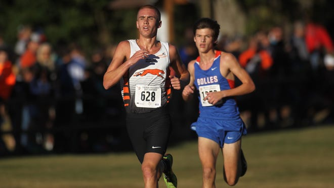 Lincoln Park senior Caleb Pottorff captured an FHSAA Class 2A state cross country title on Saturday morning at Apalachee Regional Park in Tallahassee, winning in 15:08 to beat Jacksonville Bolles sophomore Charles Hicks by a second.