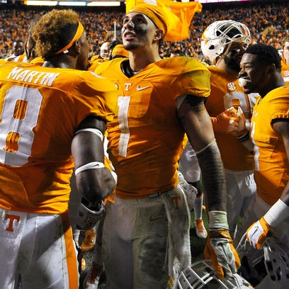 Tennessee running back Jalen Hurd (1) celebrates  Tennessee's