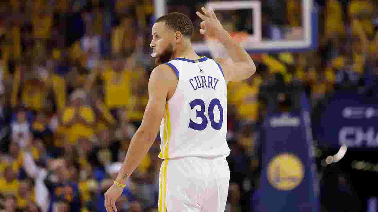 aaba6378078 Steph Curry emphatically, profanely reasserts himself in Warriors' Game 3  rout of Rockets
