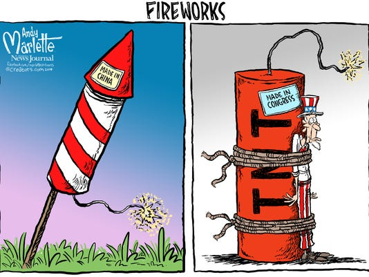 070414 - Pensacola - fireworks.jpg