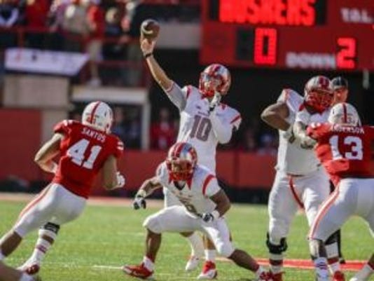 Rutgers quarterback Gary Nova (10) learned just what his teammates and coaches think of Sunday at the annual awards banquet.(Photo: AP)