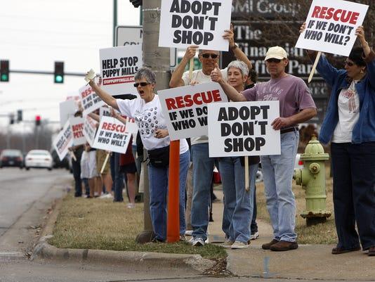 Protest at Petland