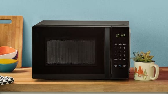 The AmazonBasics microwave is Alexa compatible—and it comes with an Echo Dot for Prime Day.